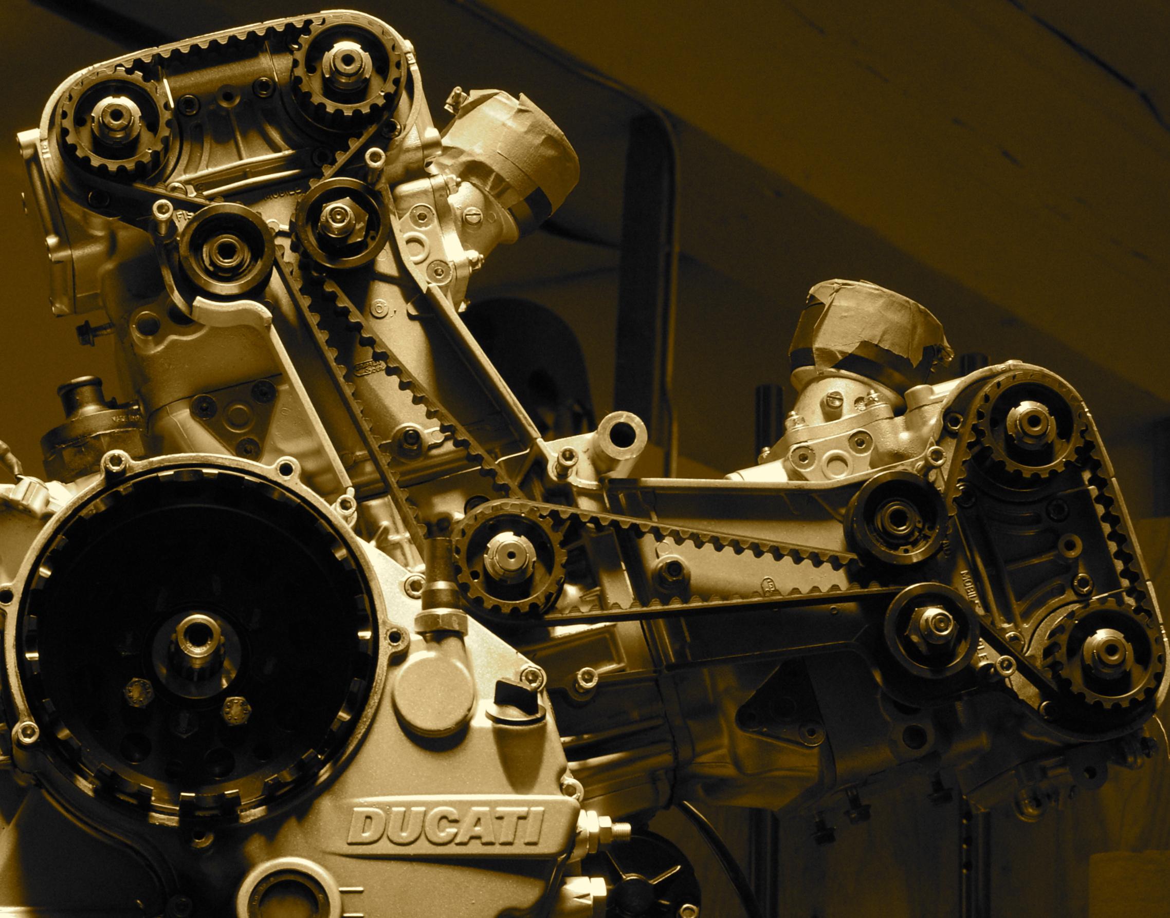 Ducati 853 build